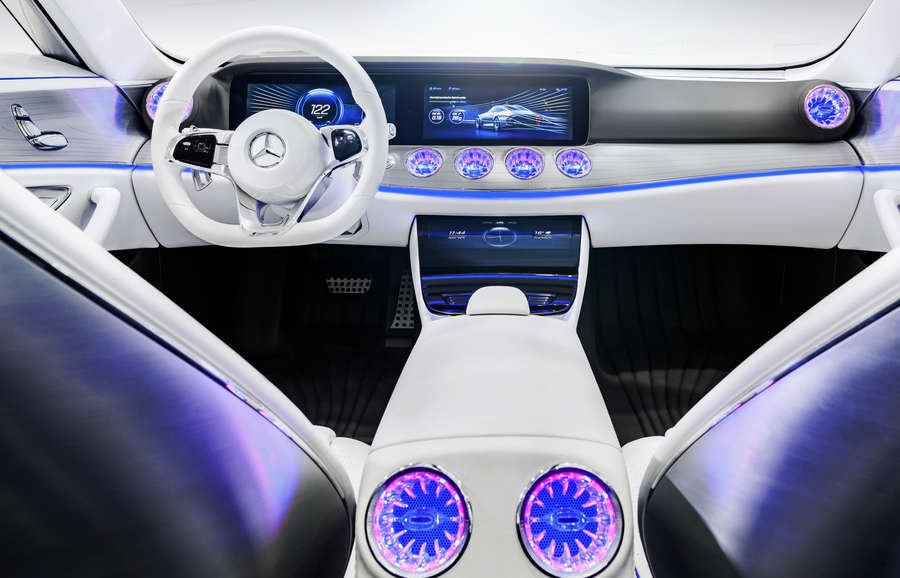 display mercedes concept iaa