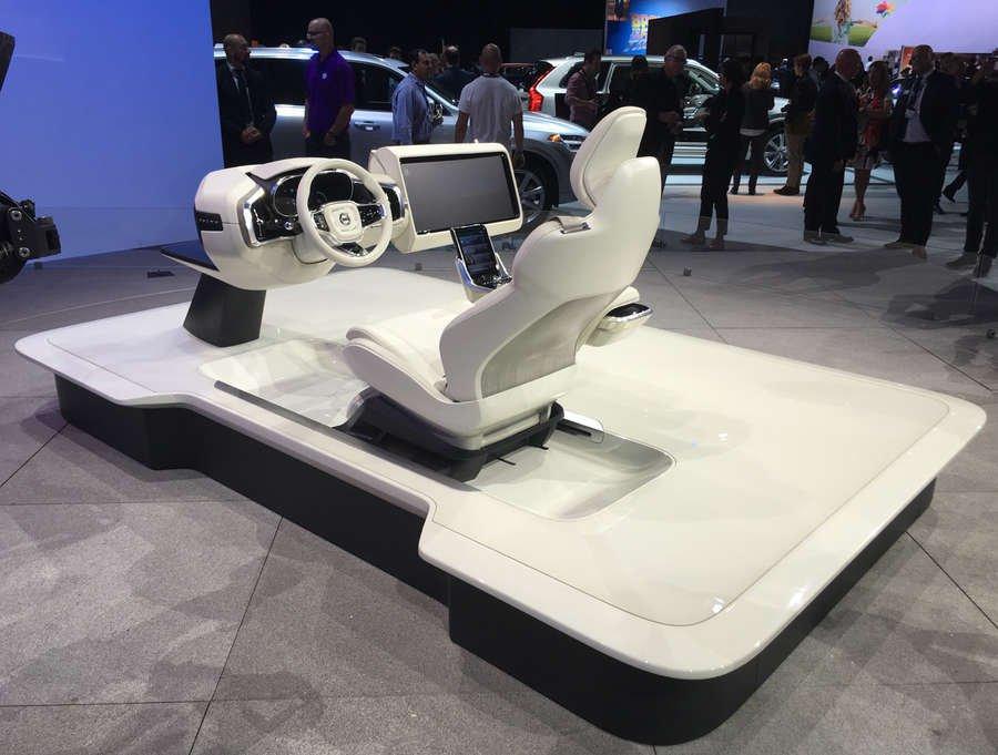 abitacolo della Volvo Concept 26 presentata a Los Angeles