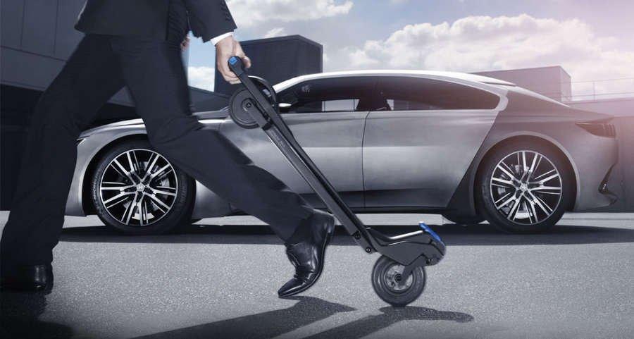 trasporto intermodale auto monopattino Peugeot